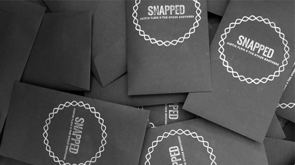 SNAPPED (Gimmicks and Online Instructions) by Justin Flom direkt bei Zaubershop-Frenchdrop